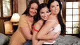 Indien Sommer, Elexis Monroe, Emily Willis – Mutter Tochter Squirt Sandwich (GirlsWay)